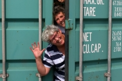 Donaties-Inhoud-van-containers-afsluitenWendy-Sandra-2