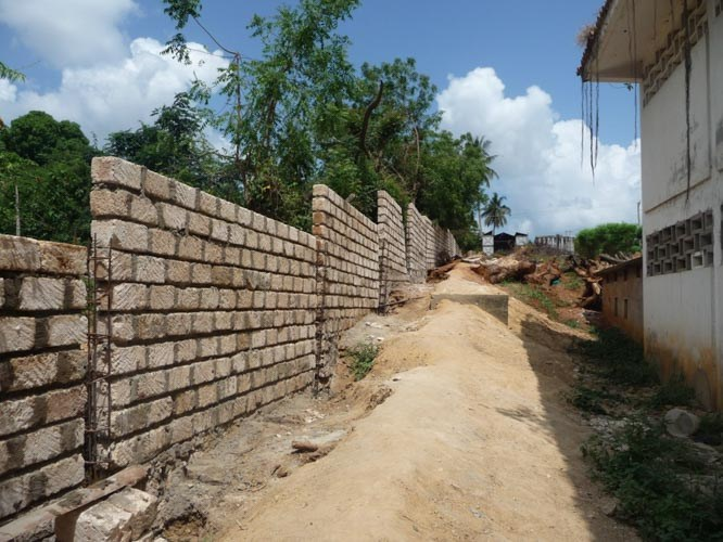 10-THE-WALL-CONSTRUCTION-2011-2012-6