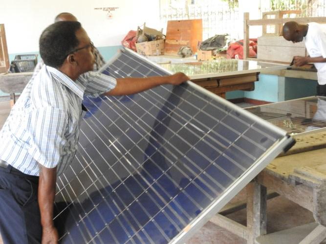 11-solar-panels-arrived-6