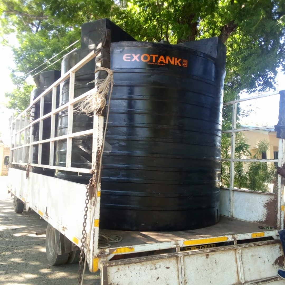 camion-reservoirs-port-reitz-school